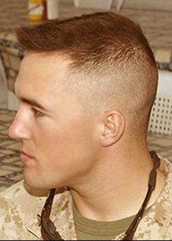 Coupe cheveux homme style militaire