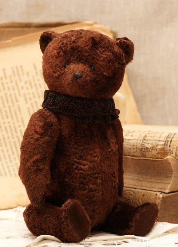 Teddy bear by Hypatia.