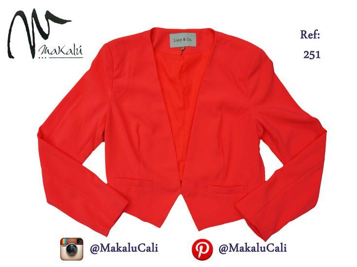Blazer Neon, no puede faltar uno como este en tu clóset! #modafemenina #makalu #makalucali #tendencias #ropaamericana #fashionweek #outfit #neon #moda #cali #colombia