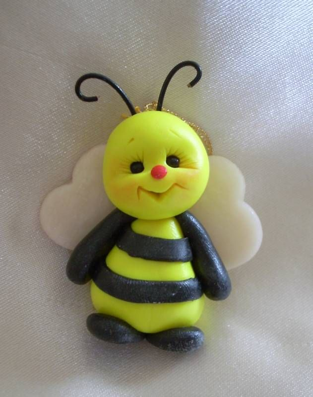 Google Image Result for http://www.theunstunghero.com/assets/images/bee_bees_personalized_Christmas_ornament_polymer_clay__eBay.jpg