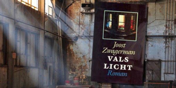 """In 1991 verscheen zijn bestseller """"Vals licht"""" over de verlegen jongen genaamd Simon Prins. Reserveer: http://www.theek5.nl/iguana/?sUrl=search#RecordId=2.260657"""