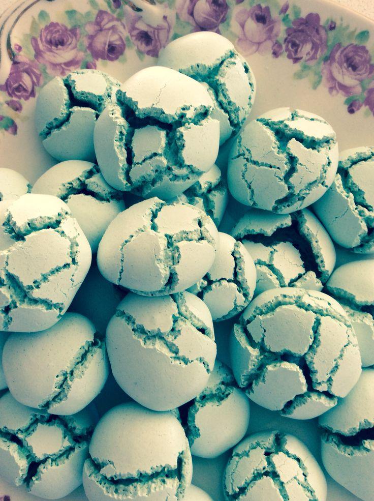 Yummy mini meringues