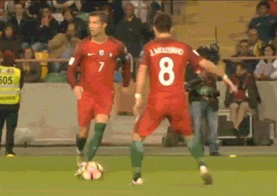 Единственное, что смогли придумать игроки Андорры, чтобы остановить Роналду - Гифка - Блоги - Sports.ru