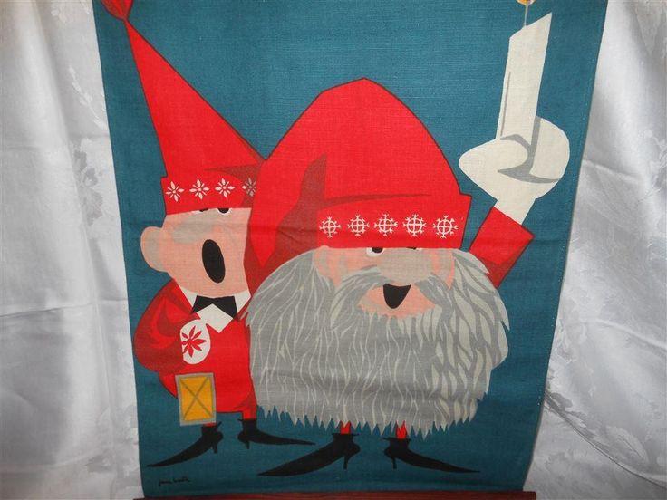 Äldre retro jul bonad textil m tomtar tomte, sign Janne Martin, 58x39cm, bomull
