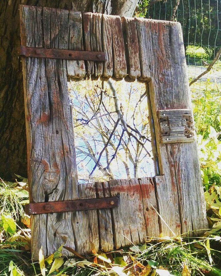 Specchio realizzato con vecchio scure. By El camino del Sol e ArteNova