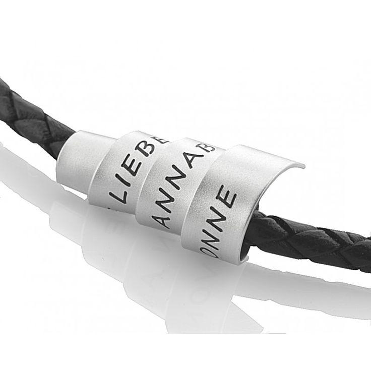 Eine wunderschöne personalisierte Herrenkette mit einem besonderen Wickelanhänger aus 925 Sterling Silber. Die  Kette ist ca 4mm stark und wird mit einem Bajonett Verschluss geschlossen.