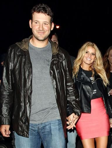 Jessica Simpson starts dating Tony Romo - How Jessica Simpson's life changed after 'Newlyweds'