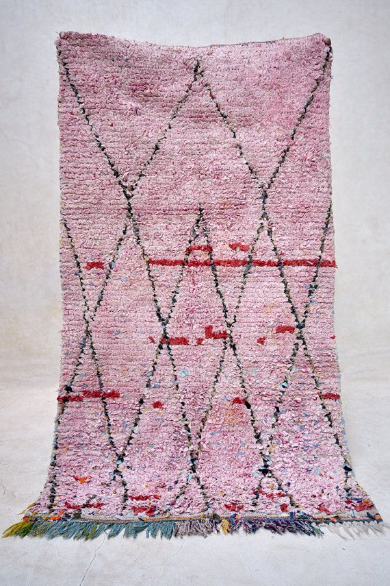 JOY BLOSSOMS 5'7 x 3'3 Boucherouite Rug. Tapis by pinkrugco