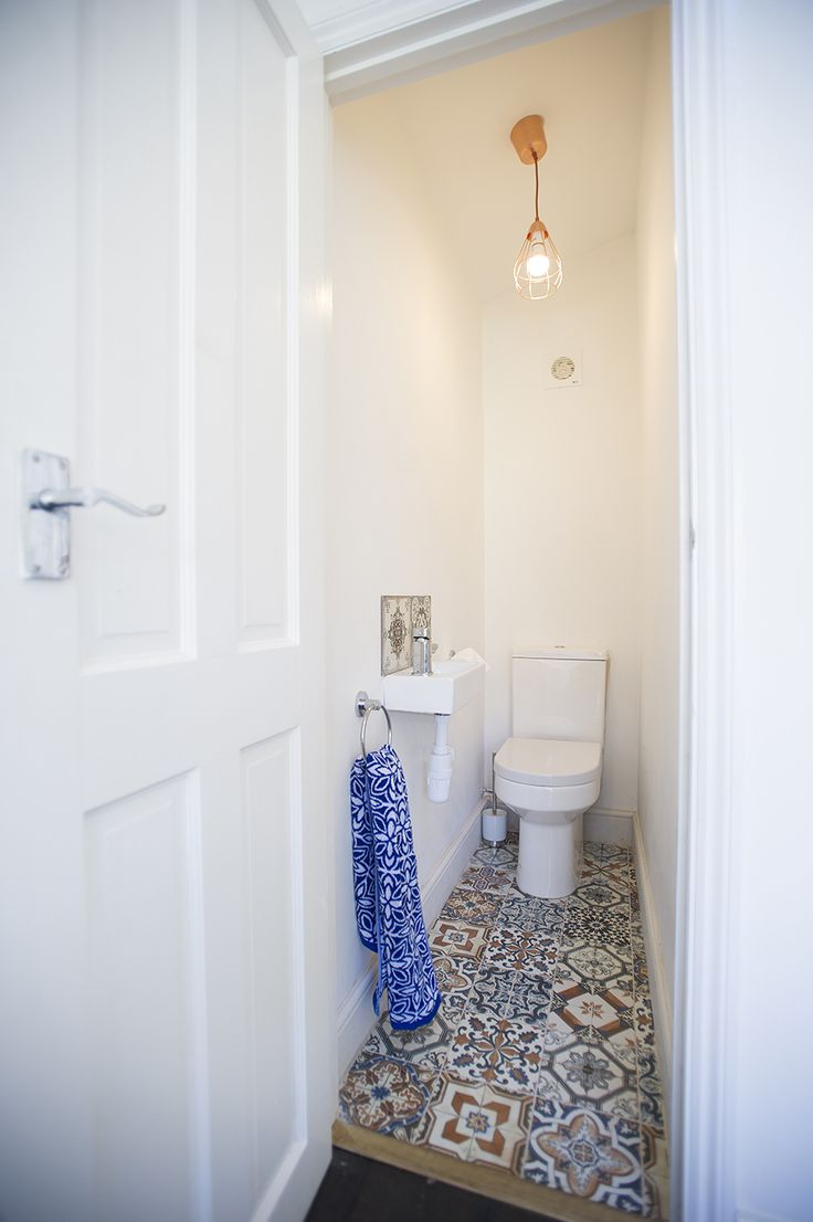 WC in Side return extension on a Victorian Terraced House in Tooting, SW17, Open Plan Design, Kitchen Extension, White WC, Tile Floor
