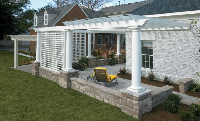 Anchor™ 18″ Highland Stone® Freestanding Wall     Pavestone. Don't like the middle part or columns but a good idea