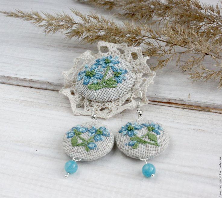 Купить Брошь и серьги голубые пролески ручная вышивка лен вышитые украшения - украшения с вышивкой