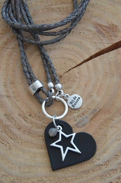 Ketting leer `grijs` - Bij de Zussen. Love this & it's mine since today!!