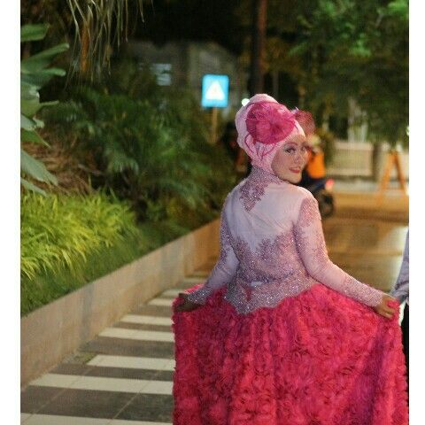 Baby pink and magenta hijab ootd