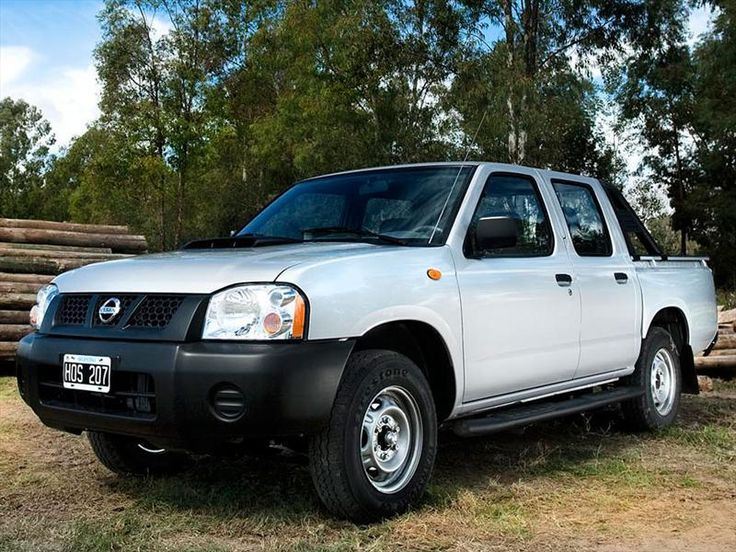 Nissan Frontier NP300 2.4L 4x2 Doble Cabina (2013)