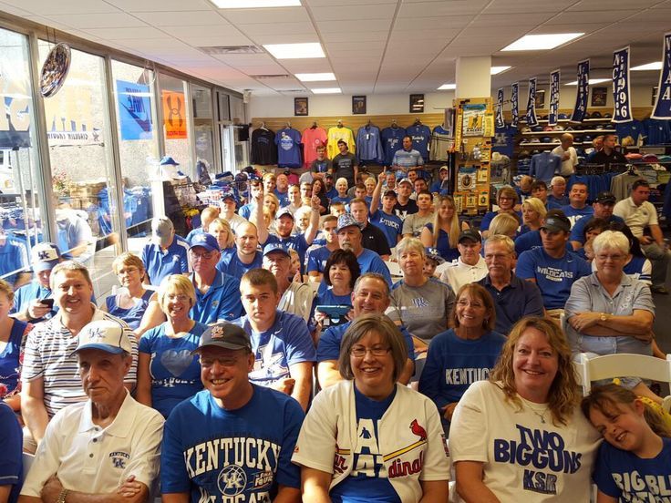 Great crowd in Benton, KY at Kennedy's Fan Shop for the