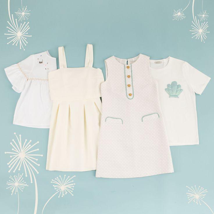 Pure White. Semplice ma significativo. Top, T-shirt e abiti disponibili su www.lazzarionline.com e nei nostri negozi.