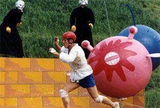 Una delle demenziali prove di Takeshi's castle