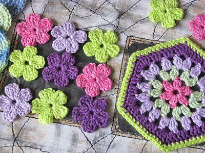 Granny hexagonal a partir de flor de 6 pétalos.