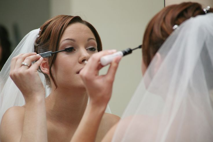 Hannah getting ready 2009 for her wedding in Wallaroo. A beautiful and sweet bride!