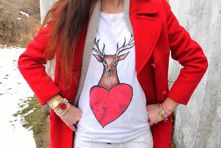 #tshirt #deer #illustration #red #white #animal #outfit  #fashionblogger #fashionblog #streetstyle