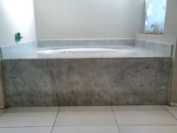 Underslung bath in marble
