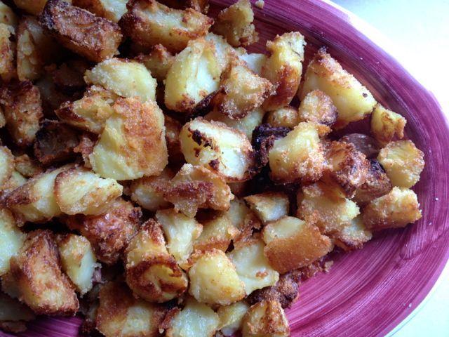 Le patate arrosto croccanti di Nigella Lawson  A Nigella Lawson recipe: best roast potatoes ever!