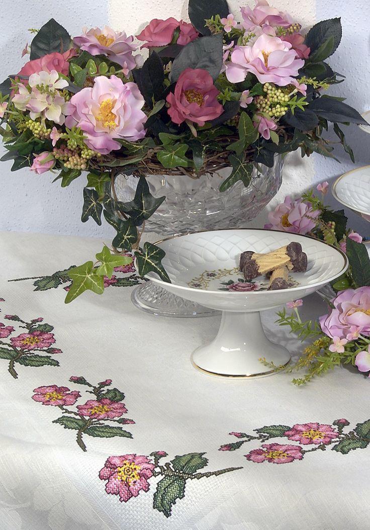 Wilde Rose  Design : Gerlinde Gebert Shop: www.gebert-handarbeiten.de