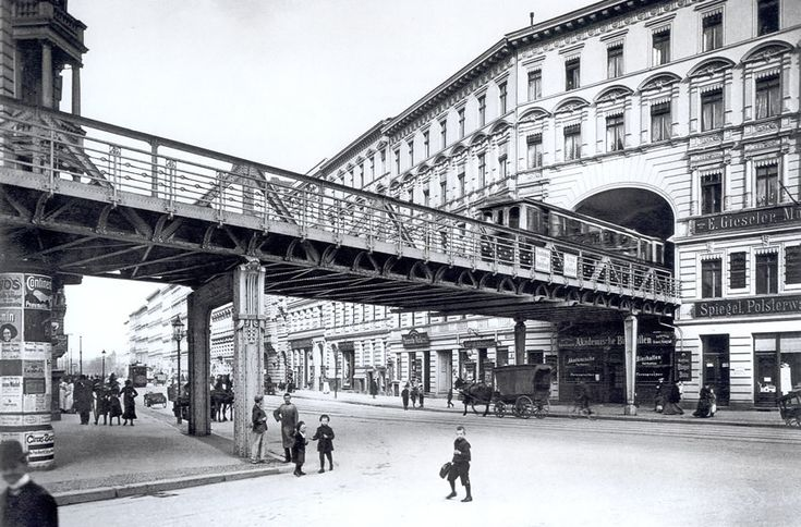 This magnificent tunnel through an apartment block was one of the popular curiosities of early 20th century Berlin - and another of the city's strangest U-Bahn viaducts still exists today....