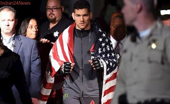Chris Weidman tops Kelvin Gastelum in Ultimate Fighting Championship college homecoming