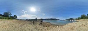 Bieszczady i panorama z plaży w Zawozie