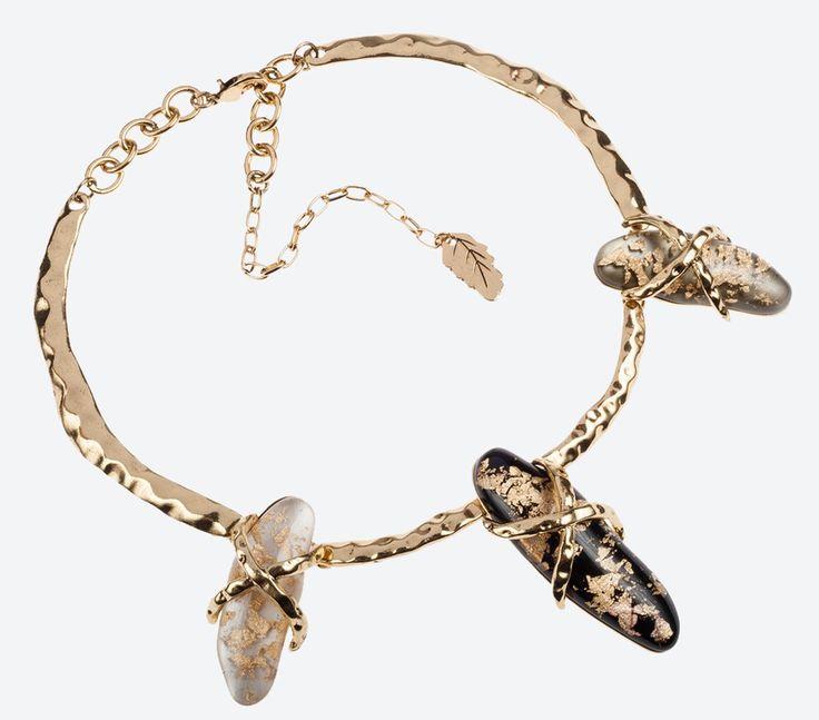 Cocoon necklace.