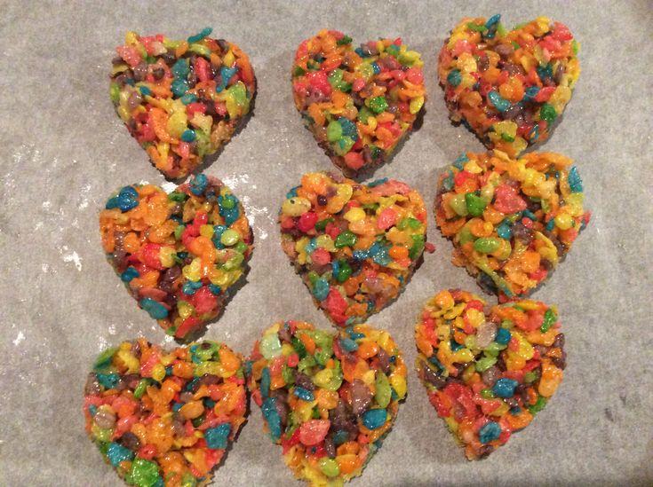 Heart shaped Fruity pebbles treats .