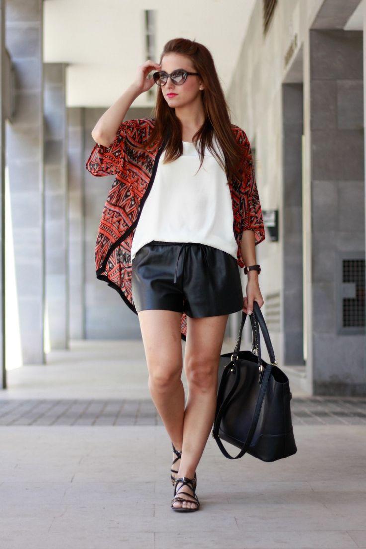 kimono, azteca, étnico, ethnic, shorts, pantalones cortos, cuero, sandalias, leopardo, print de leopardo, summer, verano, fashionblogger, fashion,