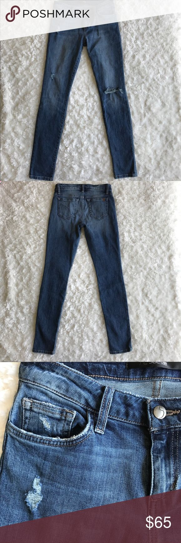 """NWOT Joe's Slim Boyfriend Jeans Becky Casual boyfriend jeans with slight distressing. Zip fly with button closure. Five pocket style. Rise is about 9"""" inseam is 29"""". 98% cotton and 2% spandex. Joe's Jeans Jeans Boyfriend"""