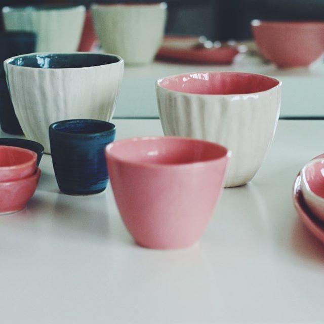 Sunday ☀️ #ceramikazlanckorony #lanckorona #ceramics #ceramika #handmade #tableware #pottery #porcelain #pink #blue #polskidesign #polishdesign