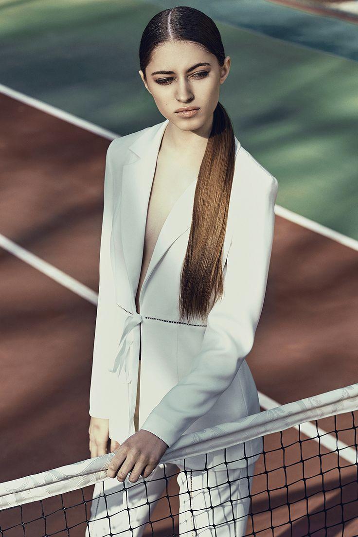 Raquette Delphine Suit #whitesuit #whiteblazer