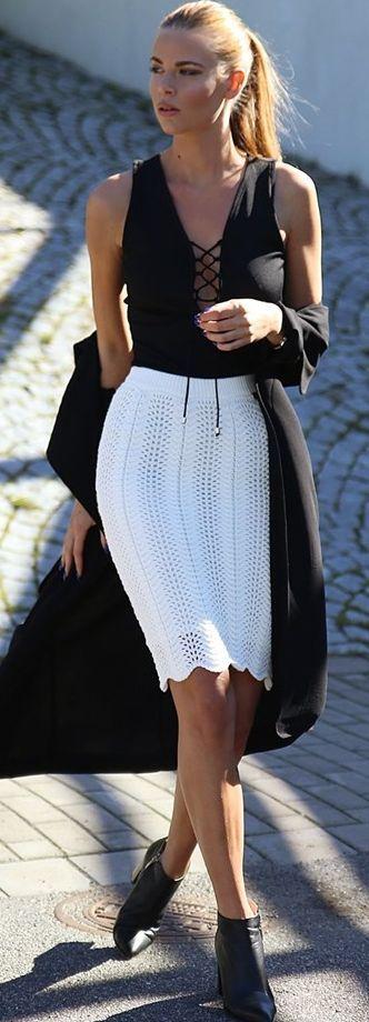 Josefin Ekstrom White Knitted Pencil Skirt Fall Streetstyle Inspo
