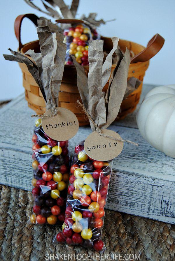 Machen Sie Indian Corn Thanksgiving Gefälligkeiten mit diesem Tutorial Schritt für Schritt. Stempeln Sie die …   – thanksgiving