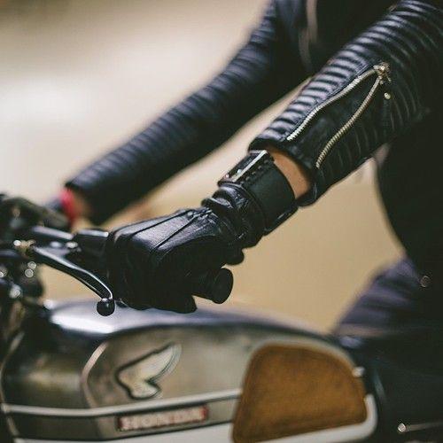 badass, motorcycle girl,style,black,leather,gloves,jacket