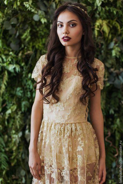 8624e8cd583 Купить или заказать Платье FW15 16 в интернет-магазине на Ярмарке Мастеров.  Длинное платье из золотистого кружева на сетке. Топ по фигуре