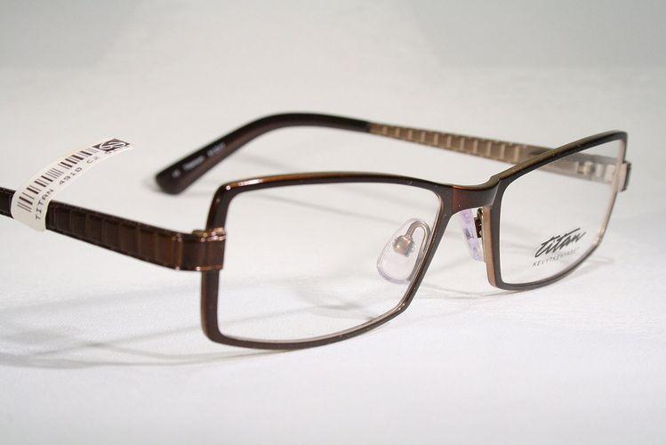 b587543ba0 TITAN Men s Glossy Brown Nonallergenic Titanium Optical Eyeglass Frames  Glasses