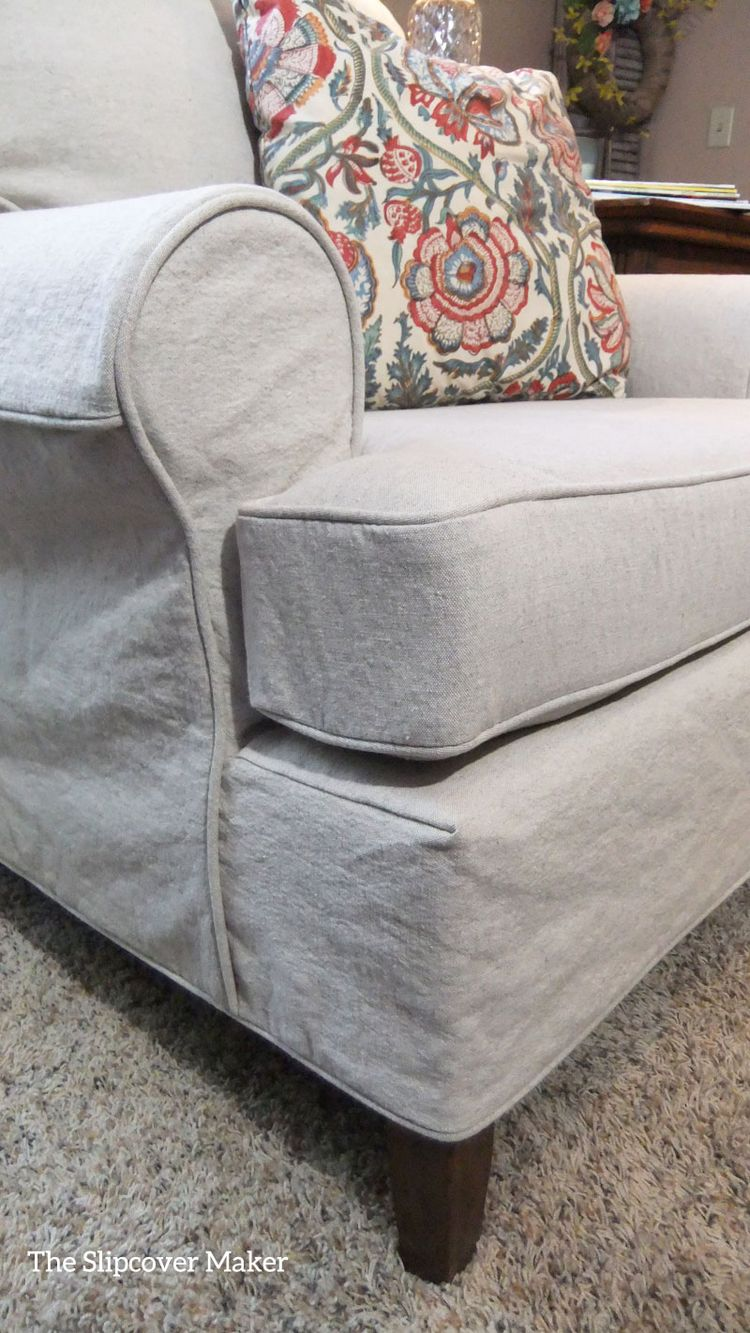 Custom made armchair slipcover in oatmeal linen cotton. Fabric: Latin from InstaLinen.