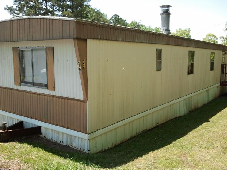& Tips on Buying an Older Mobile Home