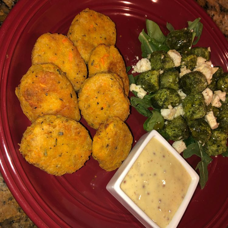These chickpea veggie nuggets are the perfect finger food for little eaters!
