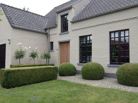 Huis Donker Hout : Licht hout met donker houtkleur kozijn poorten voordeur