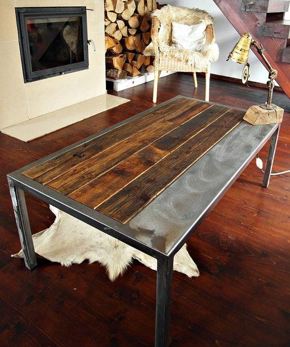 table basse de style vintage industriel fabrique a partir bois recupere et lacier qui a plus de 100 ans une piece solide et soulful de mobilier