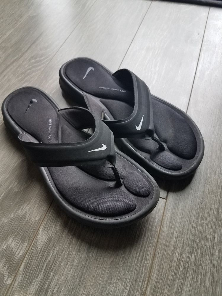 19a19b592dc8 Womens Size 8 Black Nike Flip Flops  fashion  clothing  shoes  accessories   womensshoes  sandals (ebay link)
