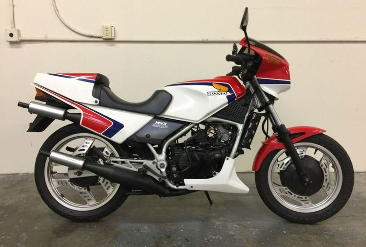 The MVX250F stands out for a few reasons – but the most notable is the unusual two-stroke V3 motor. Honda has a well-earned reputation for reliability but this was one of their few misses. That just makes it all the more impressive to see one still around and kicking, especially as they were only really sold in Japan and New Zealand.