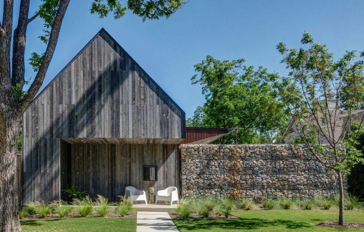 Casa Linder Dallas Recycled Building Materials Reused Buchanan Architecture Gabion Walls Vernacular Outdoor Patio