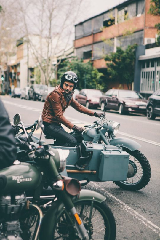 gentlemanuniverse:  Classy riders